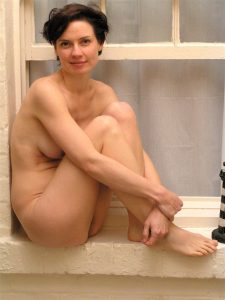 milf-salope-nue-du-sexe-dans-le-46