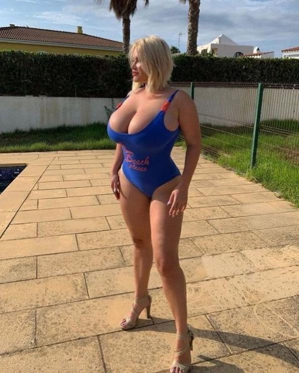 Femme mature du 91 exhibe nude