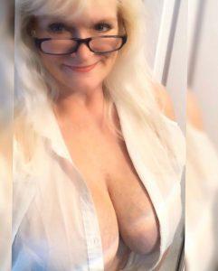 Mature salope du 27 partage nude