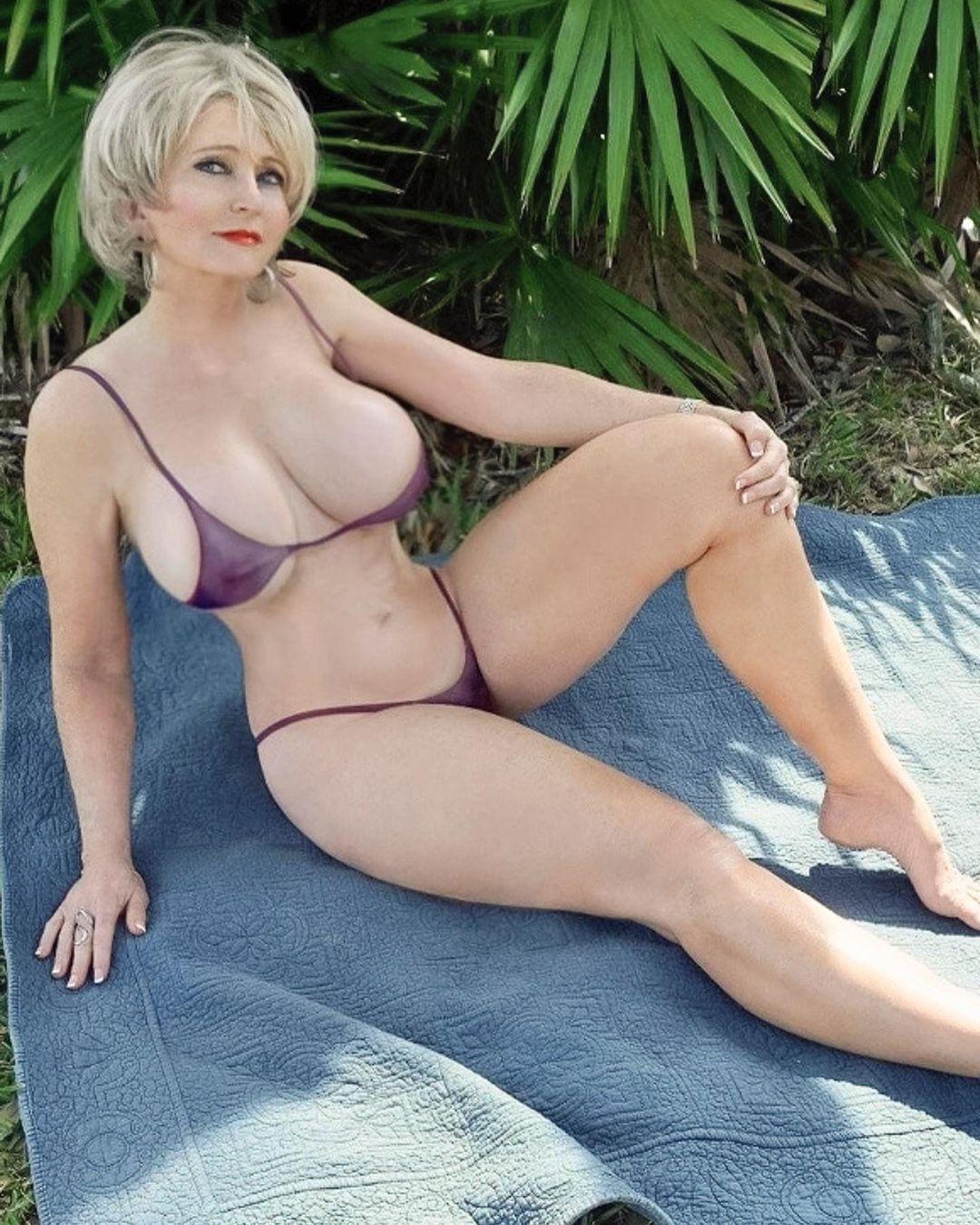 Nude et baise avec milf sexy du 83